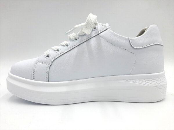20210216 092127 Кросівки для міста модель 169/351