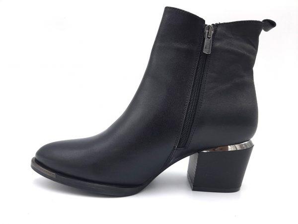 20210914 104538 Ботинки женские модель 281/39
